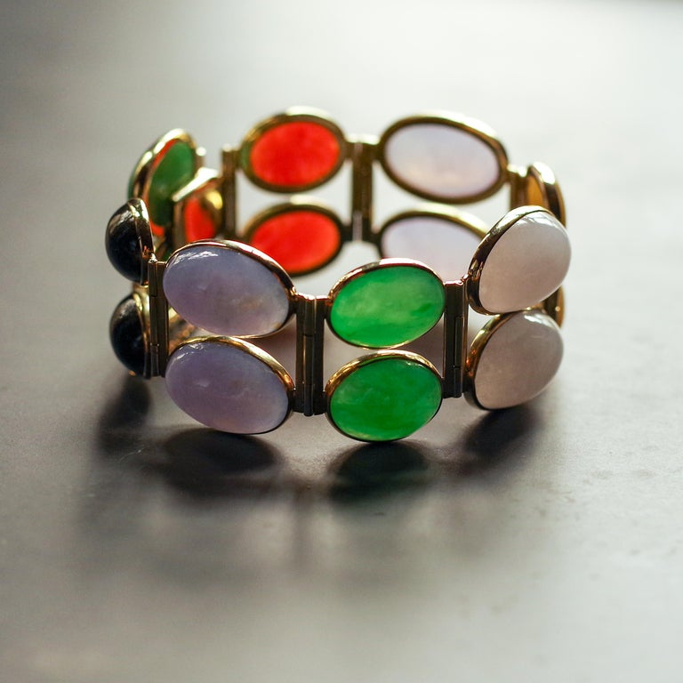 Jade Bracelet of Extraordinary Color Certified Untreated For Sale 14
