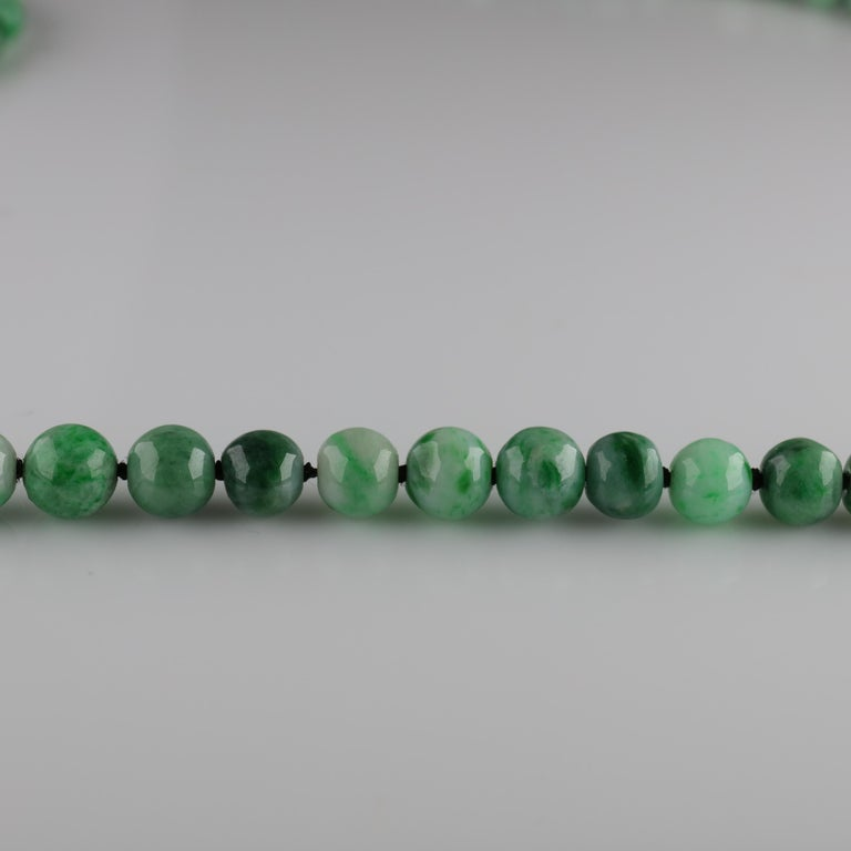 Jade Necklace circa 1930s Variegated Green Certified Untreated For Sale 2