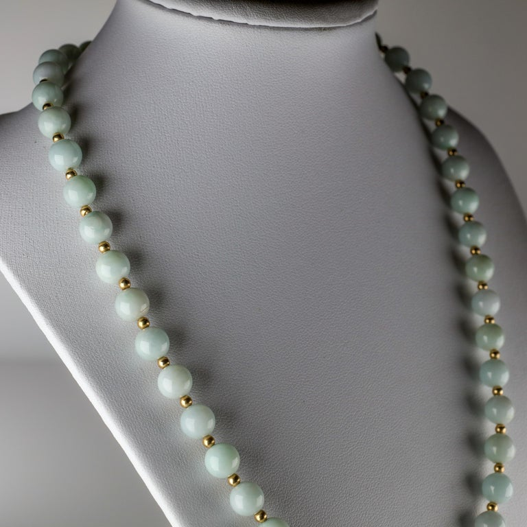 Jade Necklace Light Green with Gold Beads, circa 1970 For Sale 3