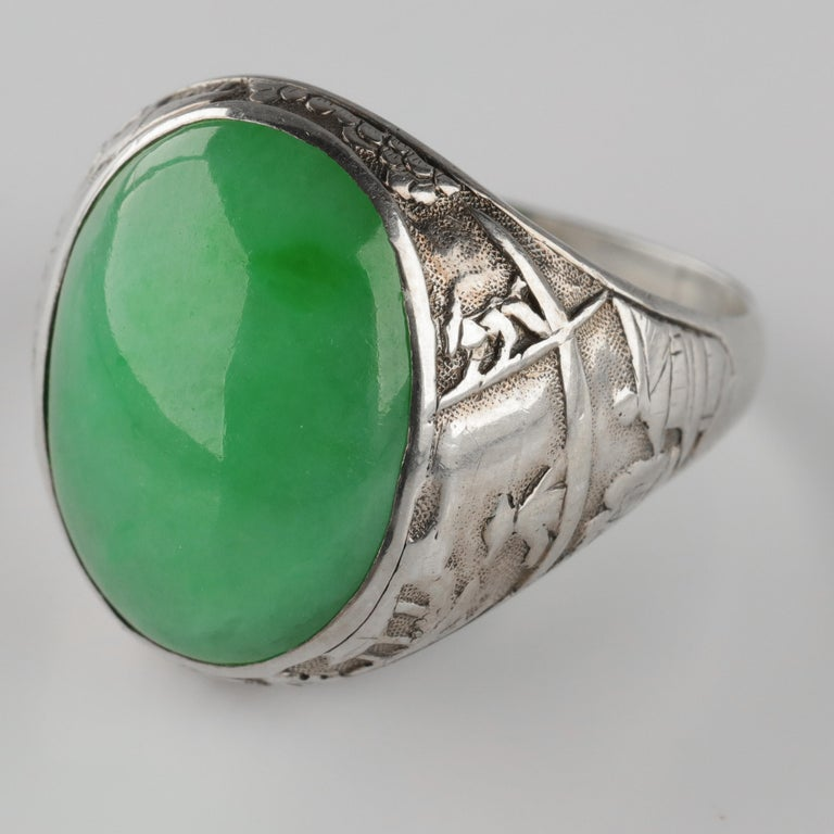 Jade Ring Certified Untreated Hand Carved Vignette Setting, circa 1910 For Sale 6