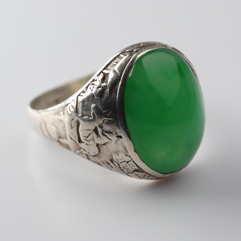 Jade Ring Certified Untreated Hand Carved Vignette Setting, circa 1910 For Sale 9