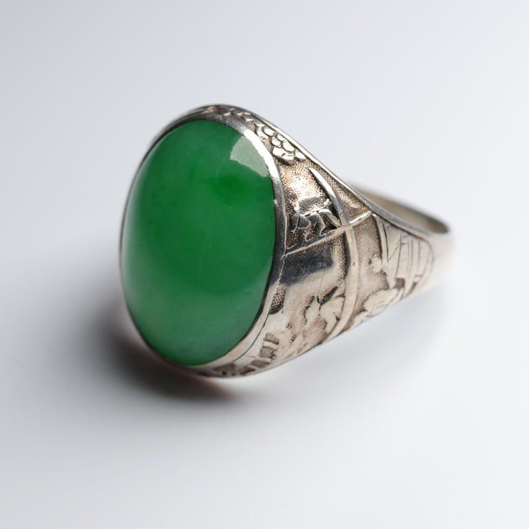 Jade Ring Certified Untreated Hand Carved Vignette Setting, circa 1910 For Sale 10