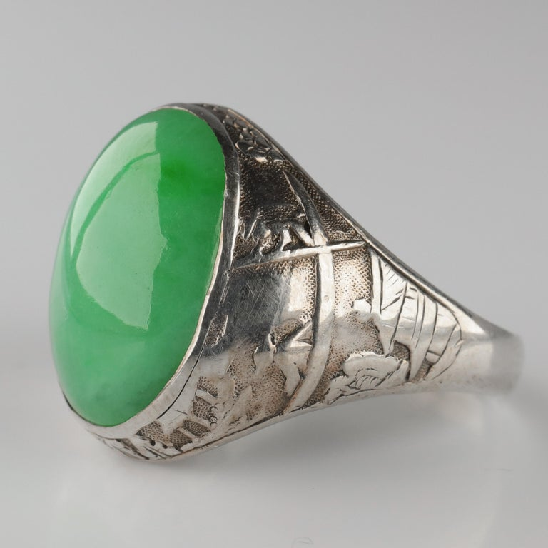 Jade Ring Certified Untreated Hand Carved Vignette Setting, circa 1910 In Excellent Condition For Sale In Southbury, CT