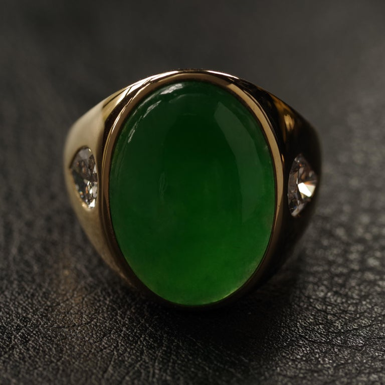 Well, here it is: the natural and untreated jadeite jade ring you want but never find. I know that feeling. I lived with it for years, until I found this vintage ring. This substantial 18k yellow gold men's ring features a large (19.1 mm X 13.8 mm X
