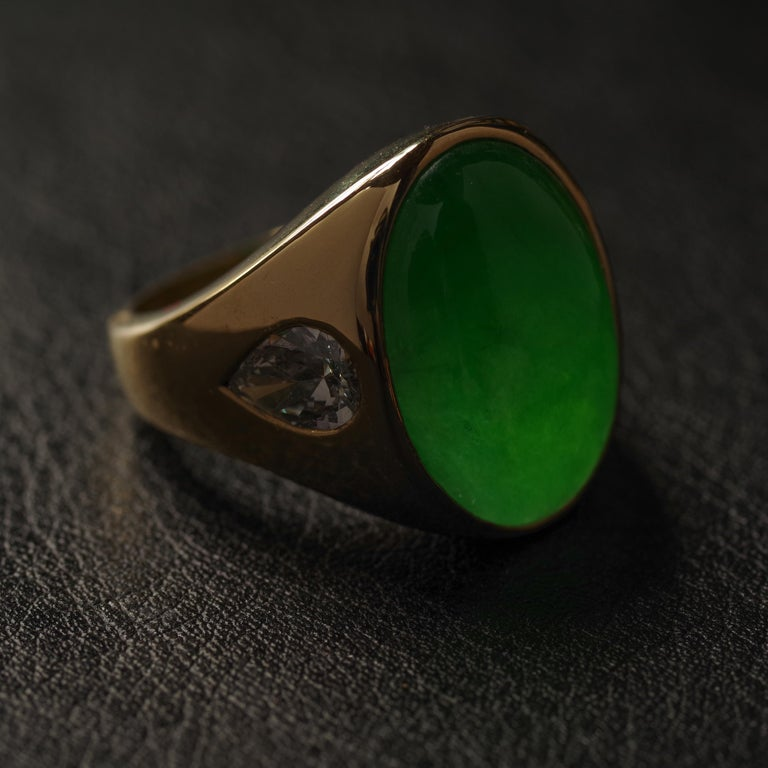 Jade Ring with Diamonds circa 1965 GIA Certified Untreated In Excellent Condition For Sale In Southbury, CT