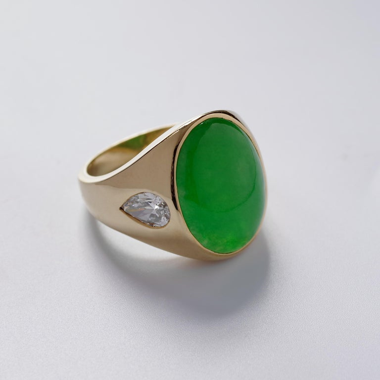 Jade Ring with Diamonds circa 1965 GIA Certified Untreated For Sale 3