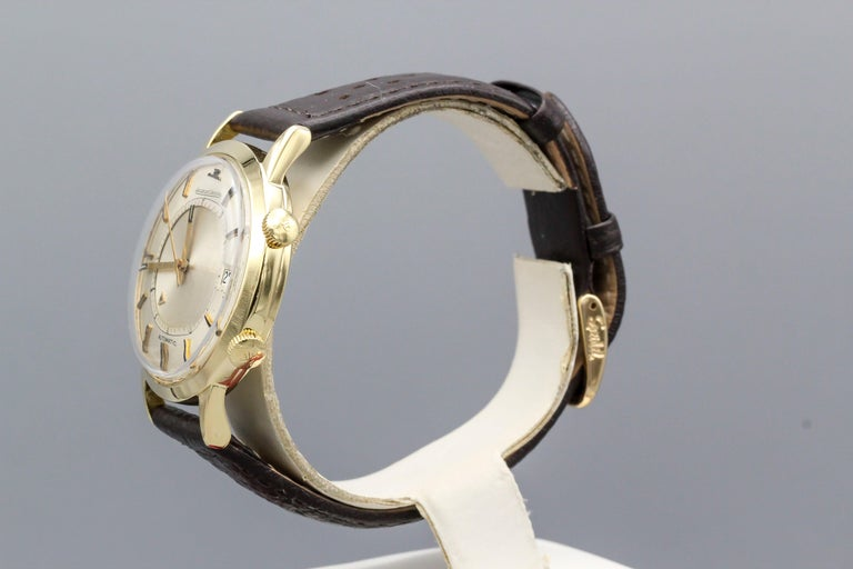 Jaeger-LeCoultre 18 Karat Gold Vintage Memovox Wristwatch In Good Condition For Sale In New York, NY