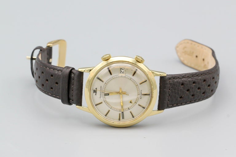 Women's or Men's Jaeger-LeCoultre 18 Karat Gold Vintage Memovox Wristwatch For Sale