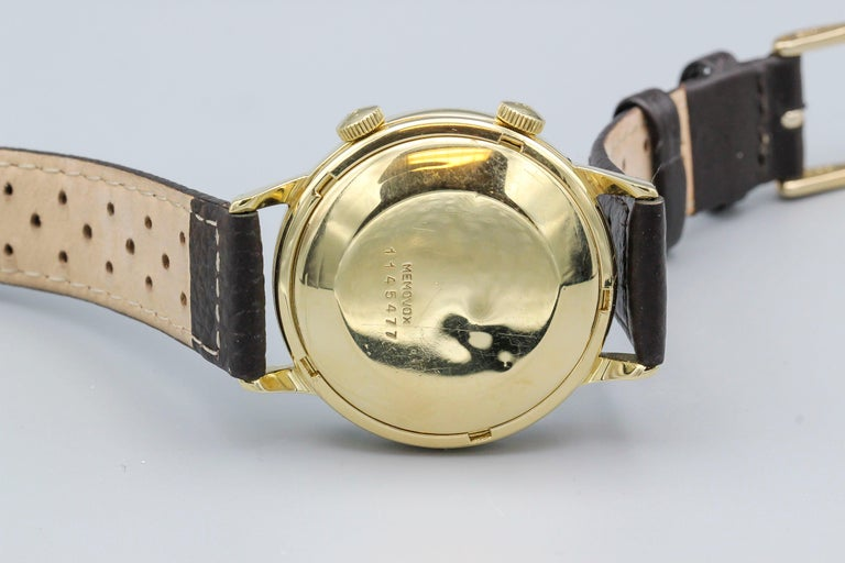 Jaeger-LeCoultre 18 Karat Gold Vintage Memovox Wristwatch For Sale 1
