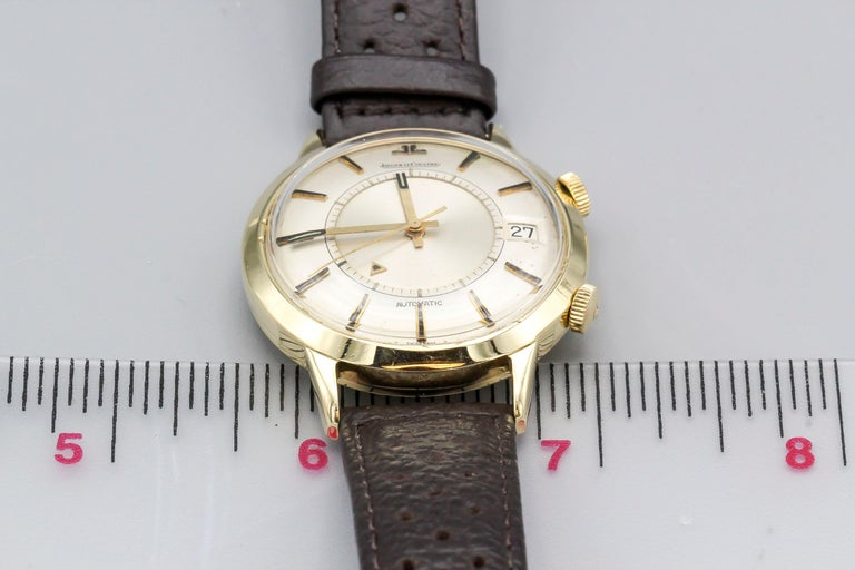 Jaeger-LeCoultre 18 Karat Gold Vintage Memovox Wristwatch For Sale 3