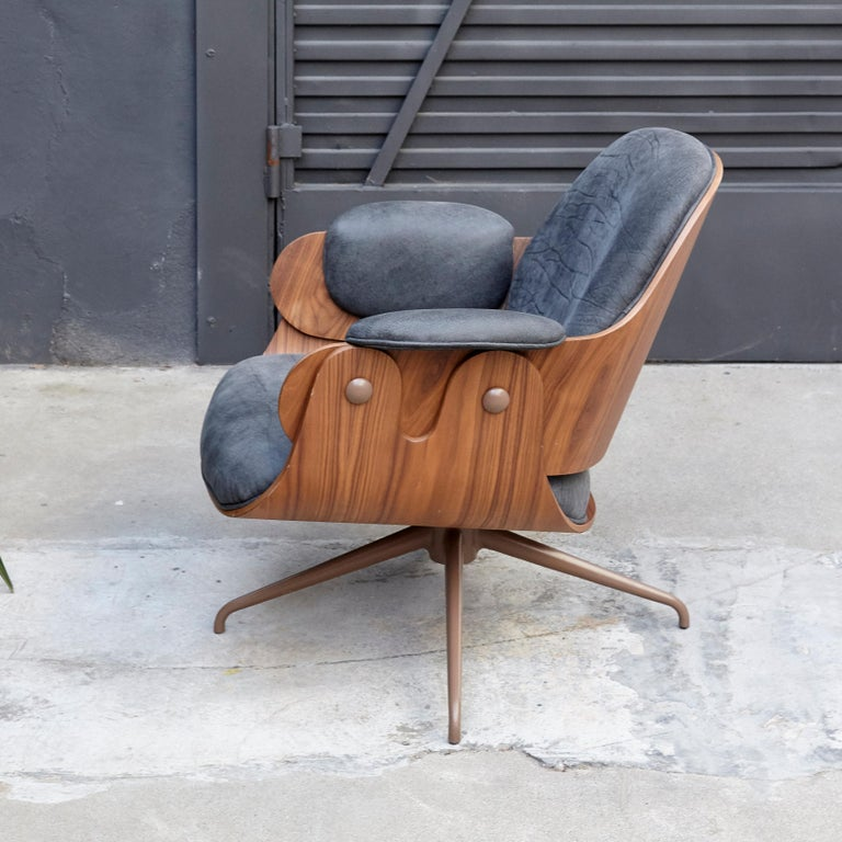 Jaime Hayon, Contemporary, Leather Upholstery Low Armchair In Good Condition For Sale In Barcelona, Barcelona