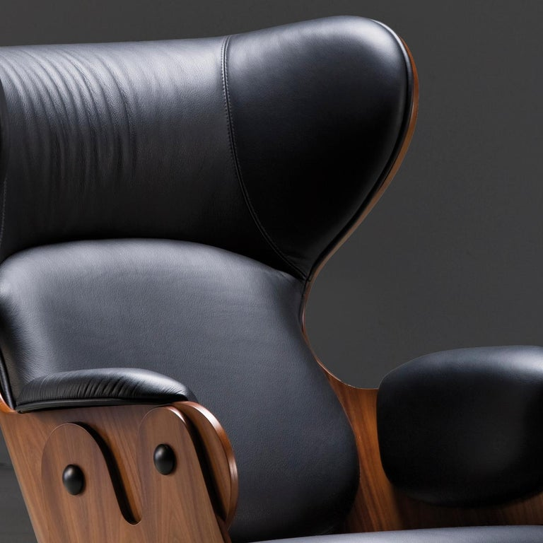 Jaime Hayon, Contemporary, Playwood Walnut Leather Upholstery Lounger Armchair In New Condition For Sale In Barcelona, Barcelona