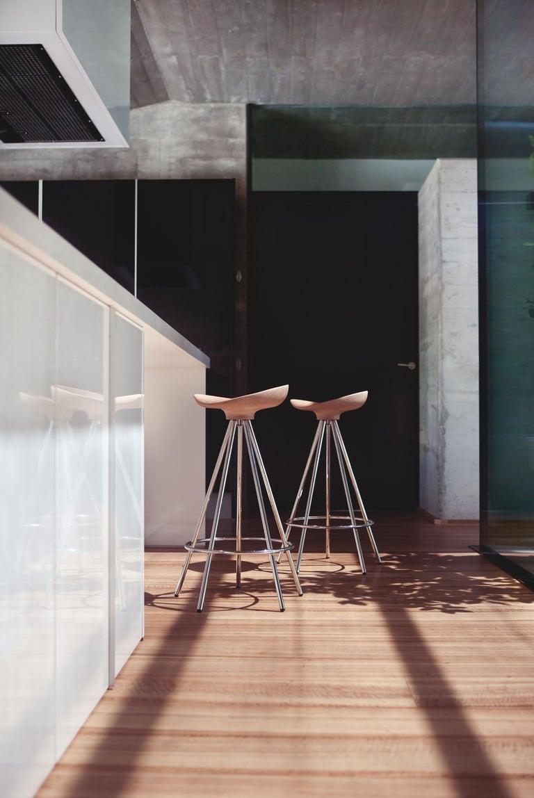 Modern Jamaica bar stool, Wood Seat For Sale