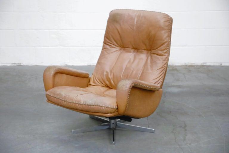 Scandinavian Modern 'James Bond' Model S-231 Swivel Lounge Armchair by De Sede, Switzerland, 1960s For Sale