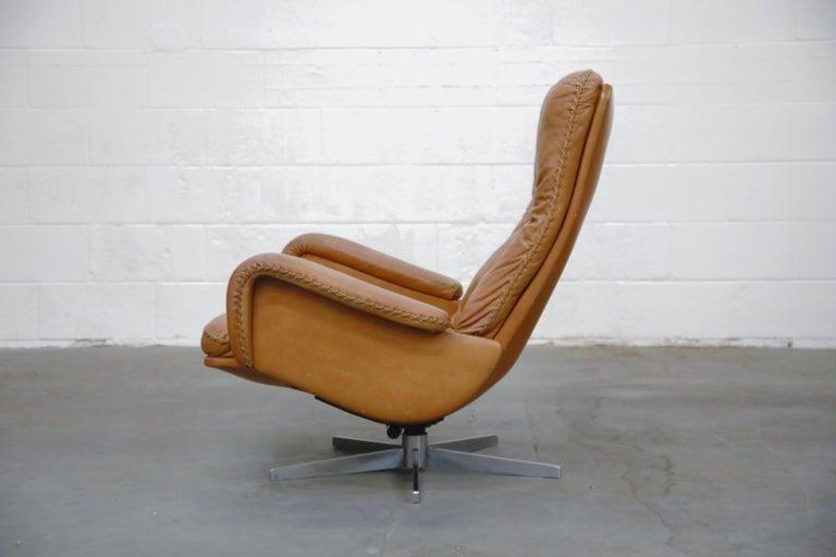 Swiss 'James Bond' Model S-231 Swivel Lounge Armchair by De Sede, Switzerland, 1960s For Sale