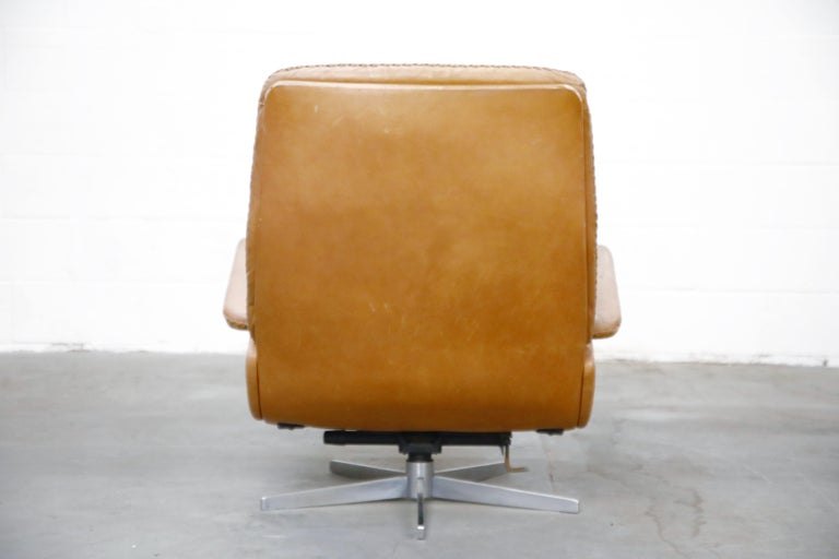 Mid-20th Century 'James Bond' Model S-231 Swivel Lounge Armchair by De Sede, Switzerland, 1960s For Sale