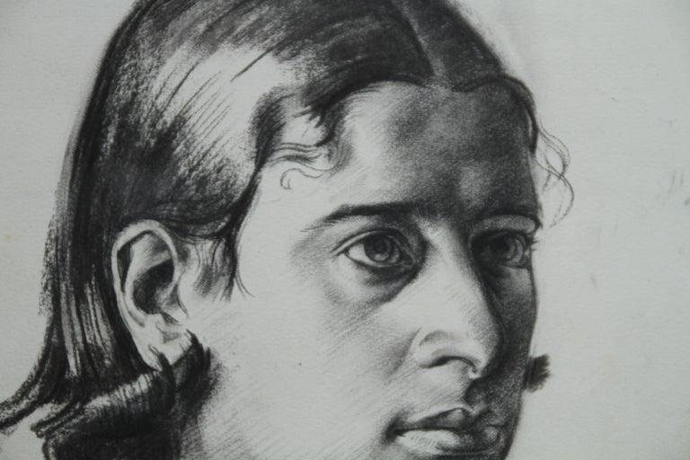 Portrait Juliana - British Art Deco pencil chacoal drawing woman necklace 3