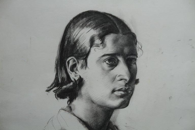 Portrait Juliana - British Art Deco pencil chacoal drawing woman necklace 4