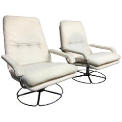 Jan des Bouvri for Gelderland Chrome Base White Woolen Swivel Vintage Armchair