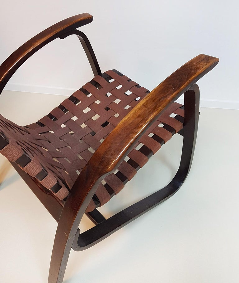 Jan Vanek Pair of Bentwood Easy Chairs Woven Straps Upholstery, 1930s For Sale 1