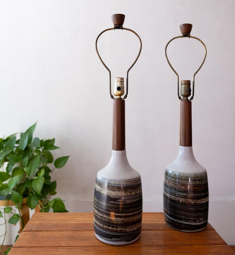 North American Jane and Gordon Martz Ceramic and Walnut Table Lamps For Sale