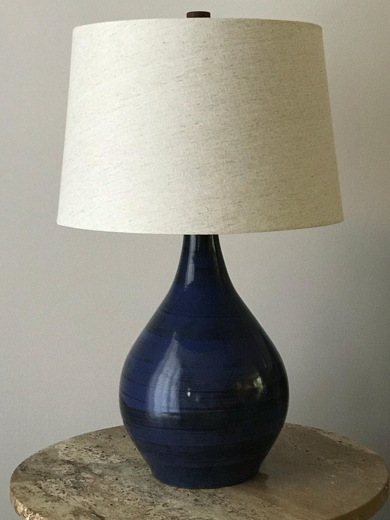 Jane and Gordon Martz Ceramic Table Lamp In Good Condition For Sale In St.Petersburg, FL