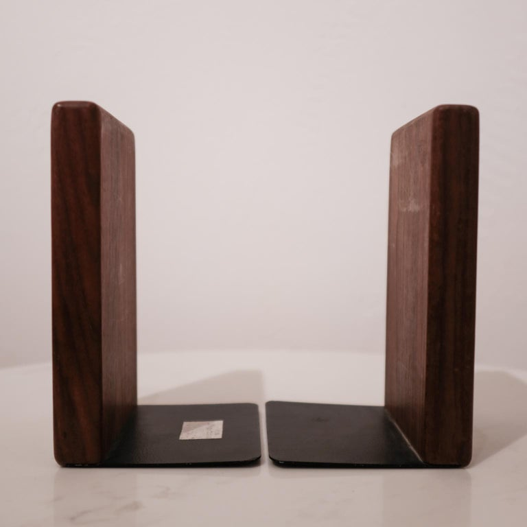 Mid-20th Century Jane and Gordon Martz Walnut Ceramic Bookends for Marshall Studios For Sale