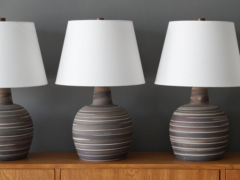 Mid-Century Modern Jane & Gordon Martz, Table Lamps, Ceramic, Walnut, Linen Marshal Studios, 1950s For Sale