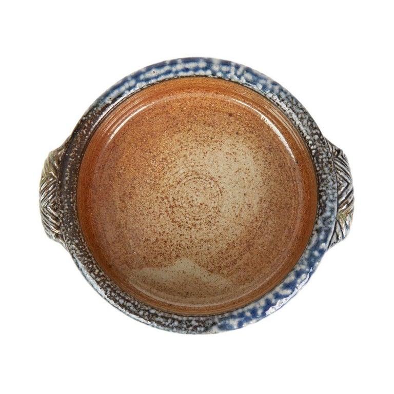 Jane Hamlyn Studio Pottery Saltglazed Handled Bowl 20th Century In Good Condition For Sale In Bishop's Stortford, Hertfordshire