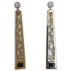 Diamond and Black Spinel Embossed Crocodile Skin 18 Karat Gold Earrings