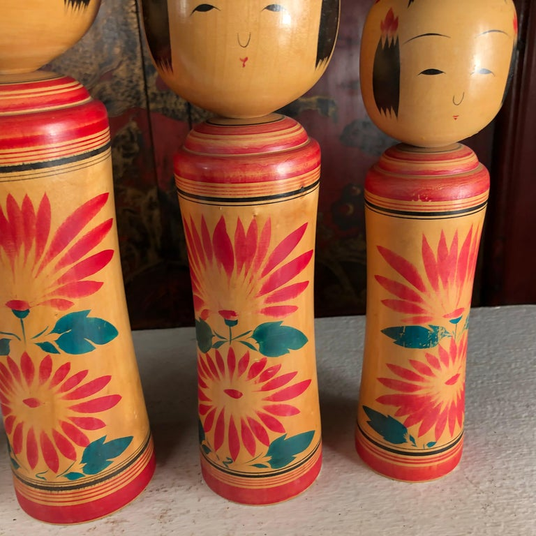 Japan Family Four Big Old Japanese Famous Kokeshi Dolls, Hand Painted, Signed For Sale 3