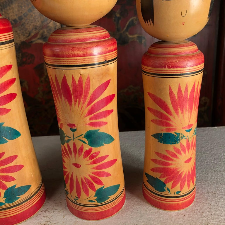 Japan Family Four Big Old Japanese Famous Kokeshi Dolls, Hand Painted, Signed For Sale 4