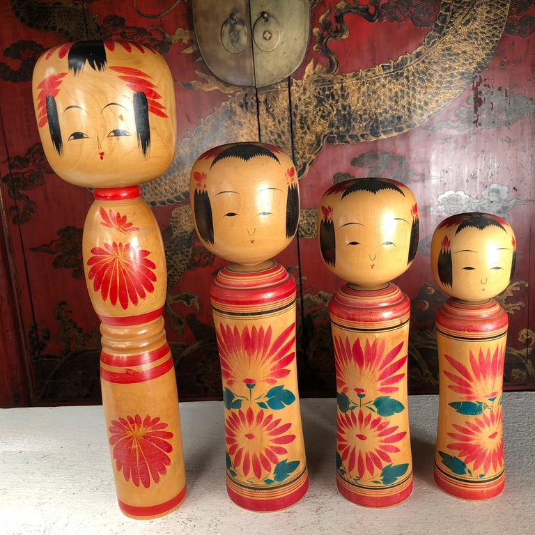 Japan Family Four Big Old Japanese Famous Kokeshi Dolls, Hand Painted, Signed For Sale 10