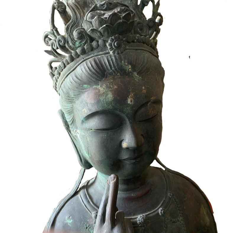 Japanese Japan Fine Large & Elegant Antique Bronze Seated Kanon Maitreya Beautiful Face For Sale