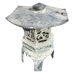 Japan Fine Hand Cast Bronze Lantern with Exquisite Details