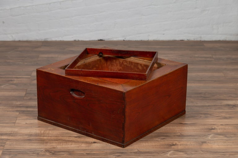 Japanese 19th Century Keyaki Wood Rectangular Hibachi with Copper Liner For Sale 6