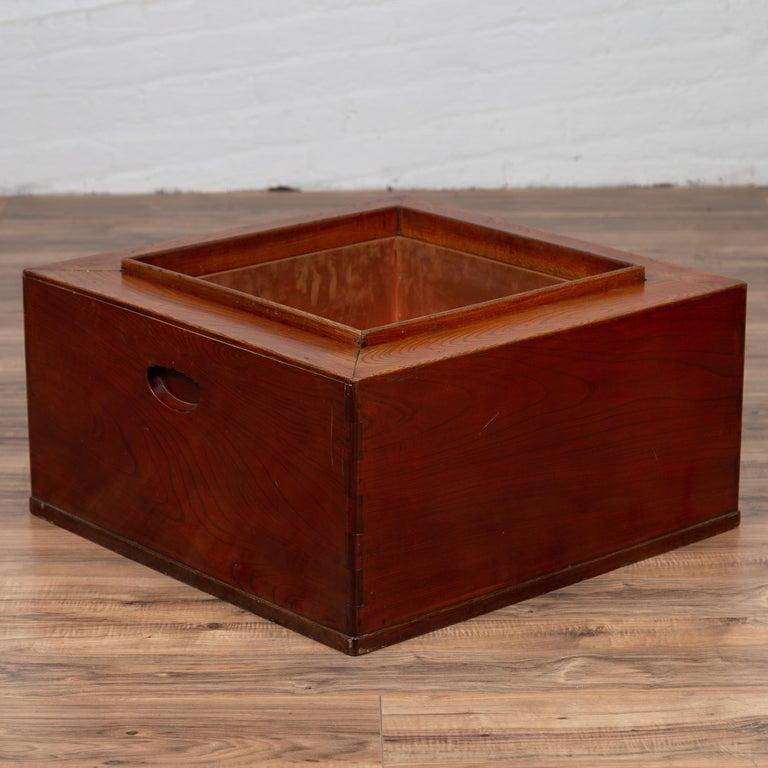Japanese 19th Century Keyaki Wood Rectangular Hibachi with Copper Liner For Sale 3