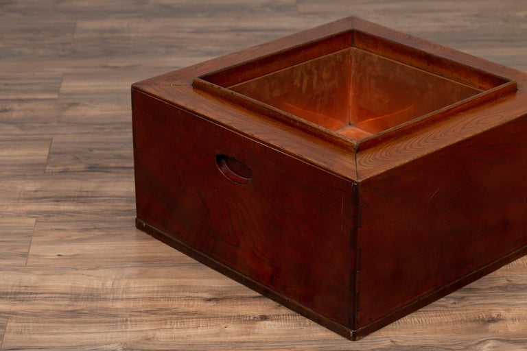 Japanese 19th Century Keyaki Wood Rectangular Hibachi with Copper Liner For Sale 4