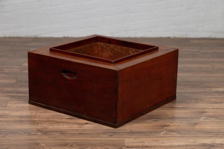 Japanese 19th Century Keyaki Wood Rectangular Hibachi with Copper Liner For Sale 5