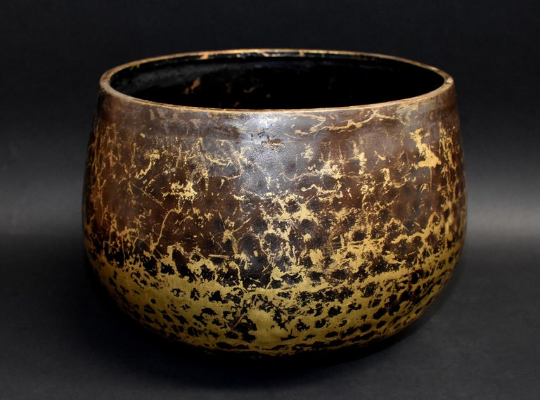 Japanese Antique Bronze Singing Bowl Hand-Hammered Large In Good Condition In Somis, CA