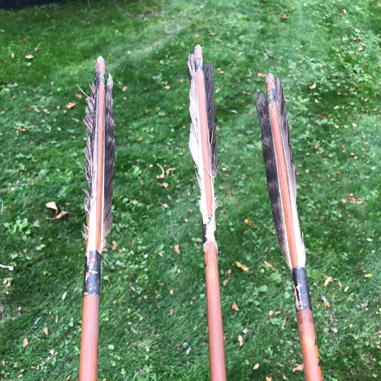 Japanese Antique Samurai Three Carved Bamboo & Iron Arrows, hard to find In Good Condition For Sale In Shelburne, VT