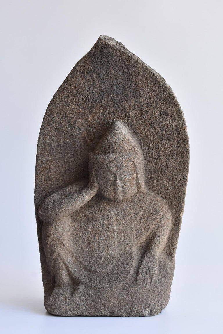 We have an aesthetic sense peculiar to Japanese people. And we introduce the unique items that only we can do, the route of purchasing in Japan, the experience value so far, and the way that no one can imitate.   It is a stone Buddha statue from