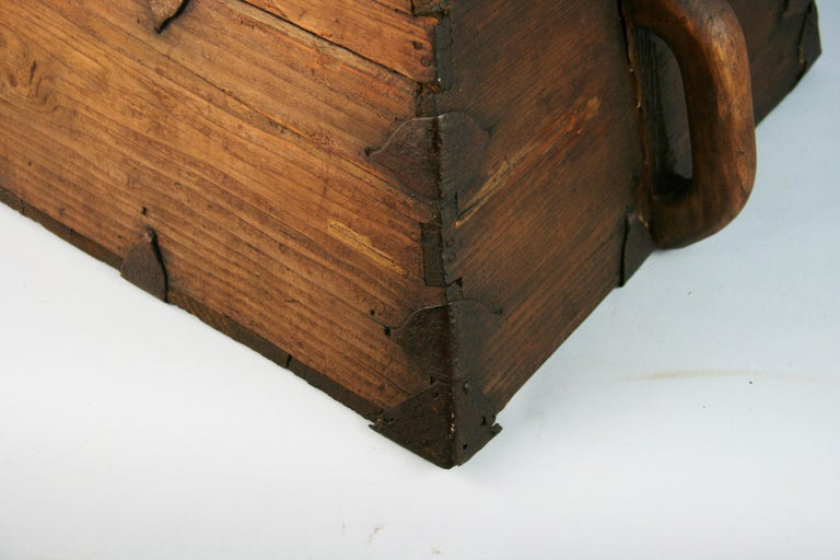 Japanese Antique Storage Container with Handles For Sale 2