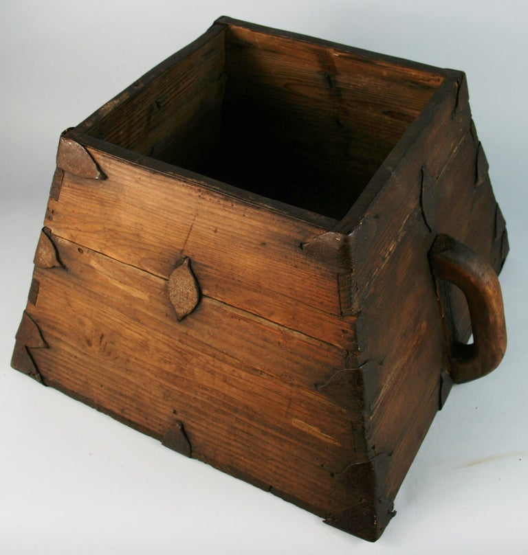 Japanese Antique Storage Container with Handles For Sale 3