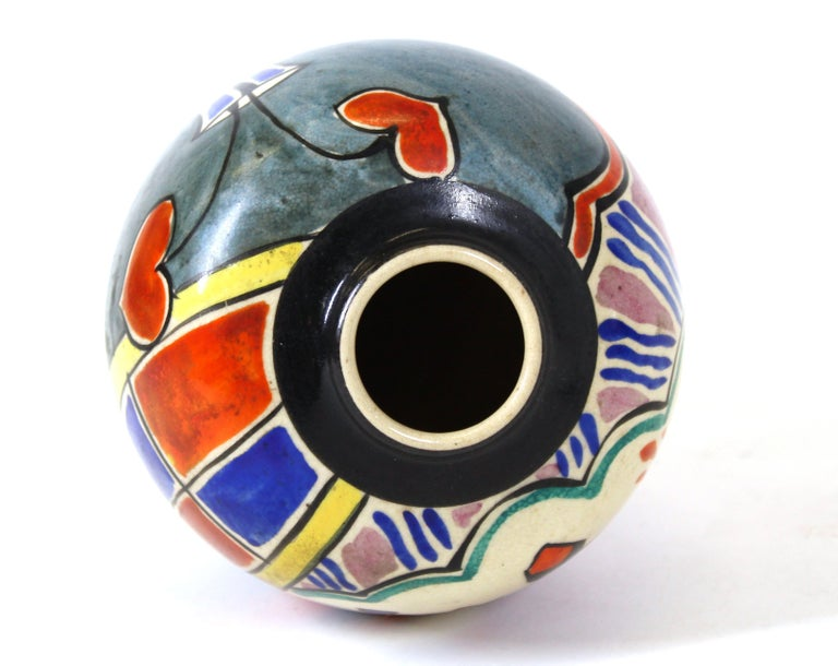 Japanese Art Deco Painted Ceramic Vase For Sale 1