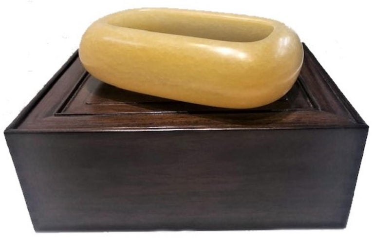 Japanese Art Deco, Yellow Stone Vessel in Wood and Silk Presentation Box For Sale 3