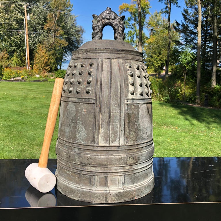 Japanese Big Antique Bronze Bell with Period Signature, Bold Sound For Sale 7