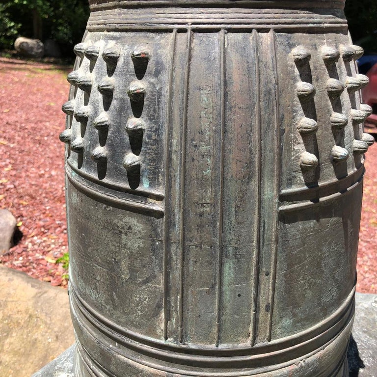 Japanese Big Antique Bronze Bell with Period Signature, Bold Sound For Sale 4