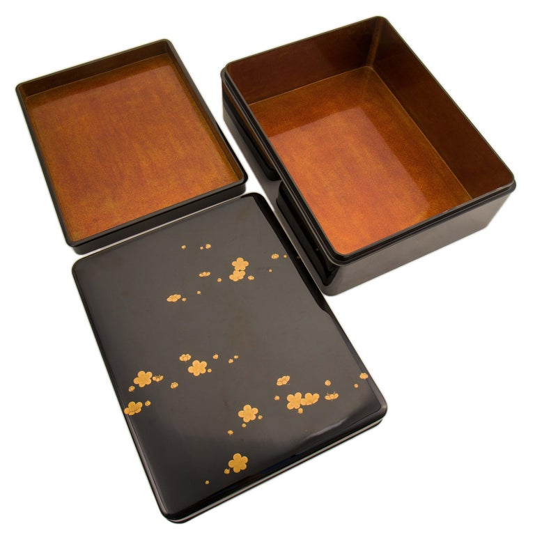 Japanese Black Lacquer Document Box with Plum Blossom Design, Taisho Period In Good Condition For Sale In Prahran, Victoria