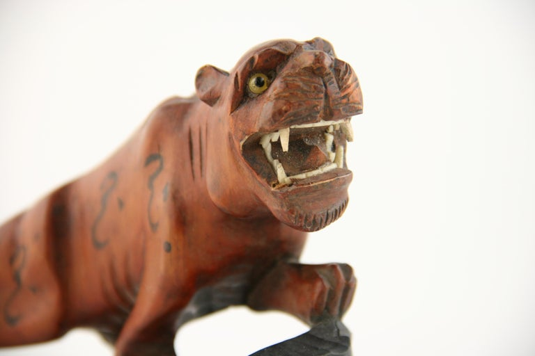 Japanese Carved Wood Tiger with Glass Eyes, circa 1920s In Good Condition For Sale In Douglas Manor, NY